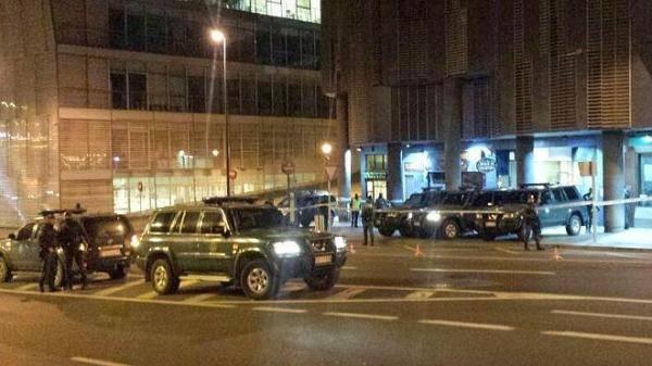 Guardia Zibilak hamar abokatu eta hainbat herritar atxilotu ditu goizaldean