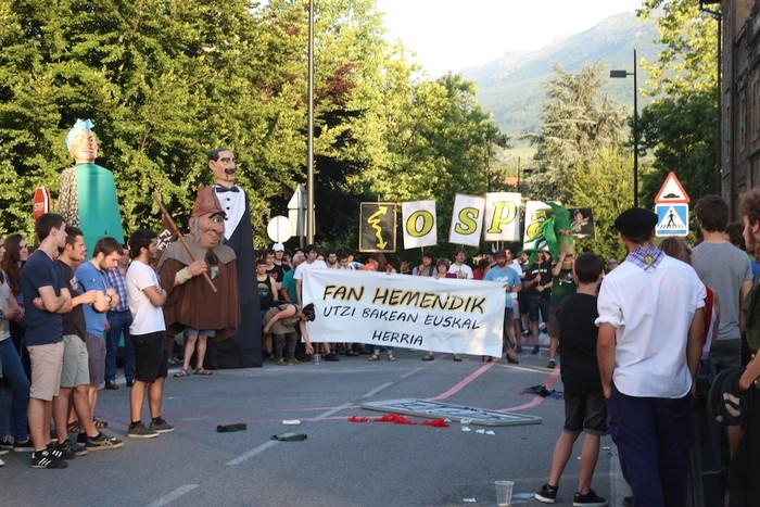 Fan Hemendik eguna, argazkitan - 54