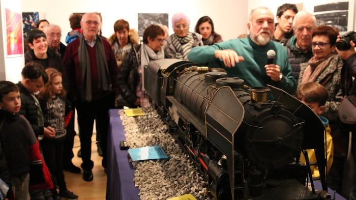 Ikusmina piztu du lokomotorea martxan ikusteak - 13