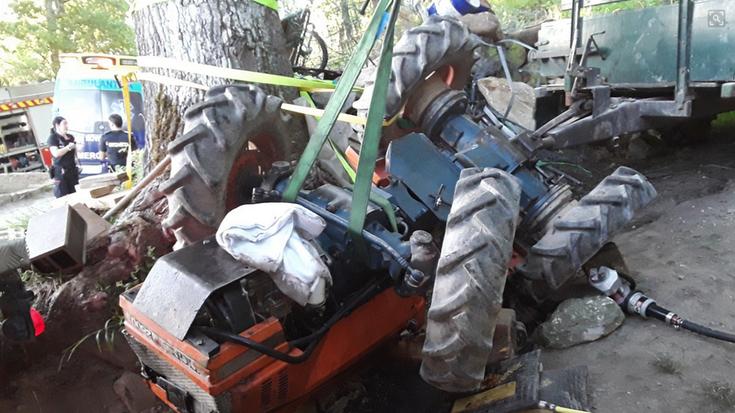 Elorregiko auzotar batek istripua izan du traktorearekin