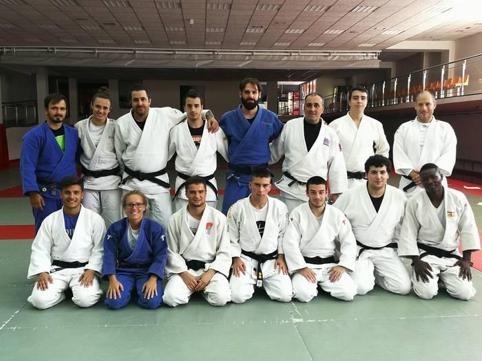 Markel Urrutiak hitzaldia eman du Kirolenek antolatutako judo monitoretza ikastaro ofizialean
