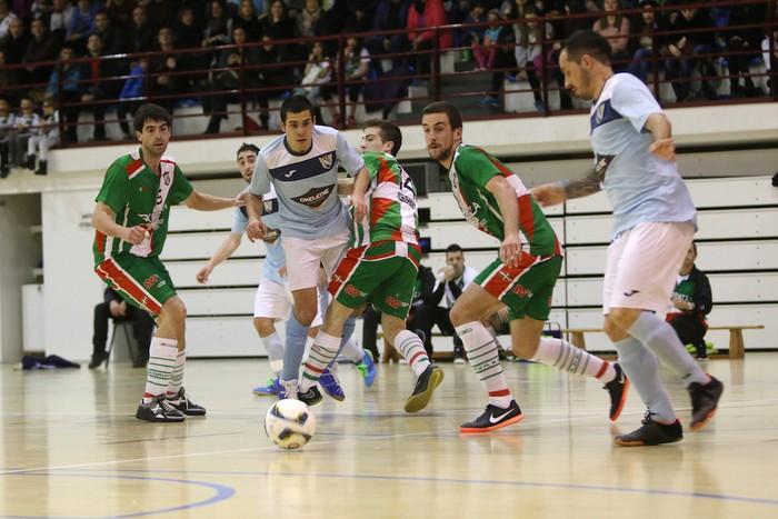 Eskoriatzak Aretxabaleta garaitu du (3-0) - 2