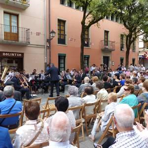 Milagroko musika bandaren emanaldia