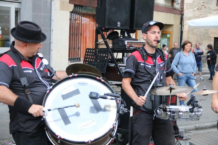 Rockalean taldea, Andramaixen azken txanpan - 20