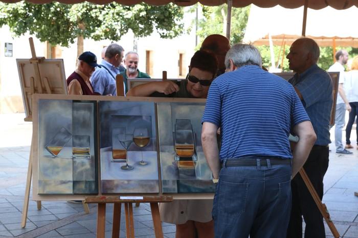 Pinturak nagusi izan dira Seber Altube plazan