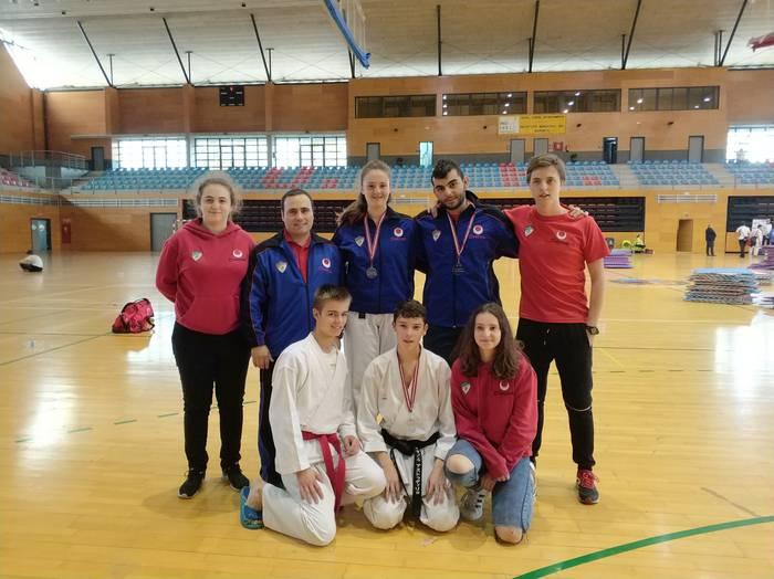 Oñatiko karatekek lan ona egin dute Euskadiko Txapelketan, Barakaldon