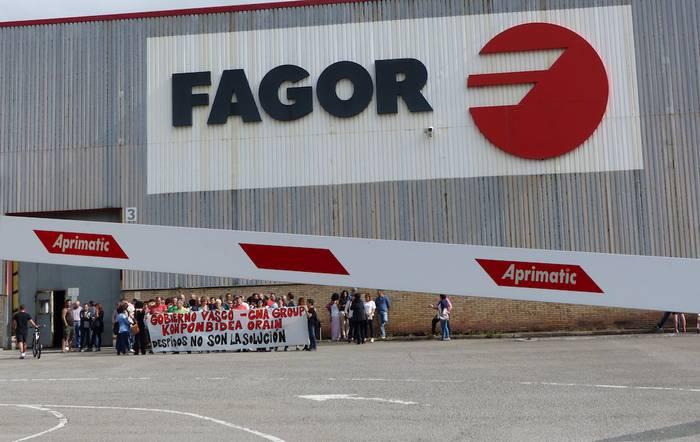 Taldearen egoera ekonomikoa zein den azaltzeko eskatu diote Fagor CNAko langileek zuzendaritzari