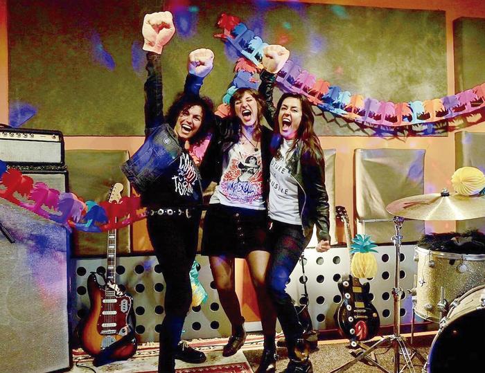 Indie eta rockabilly doinuak entzuteko aukera bihar, atzeko kalen