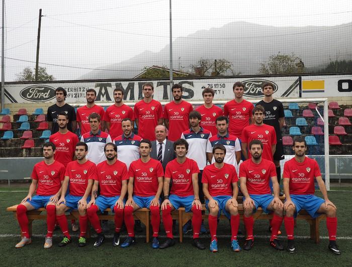 Aloña Mendi Kirol Elkarteko Futbol saileko talde guztiak aurkeztu dituzte - 2