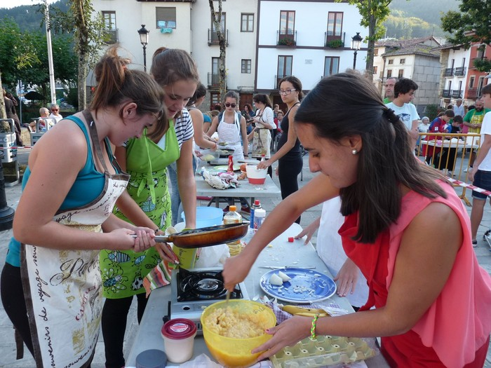 Sagardo Eguna eta patata tortilla lehiaketa, bihar, Elgetan