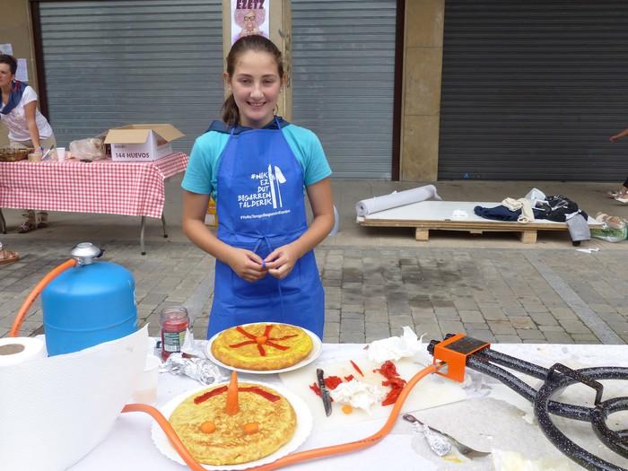 Patata tortilla lehiaketa Antzuolako jaietan - 33