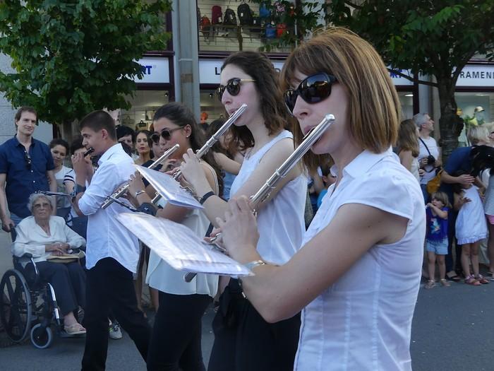 Txikitxoenek San Juan festetan murgildu dute herria - 15