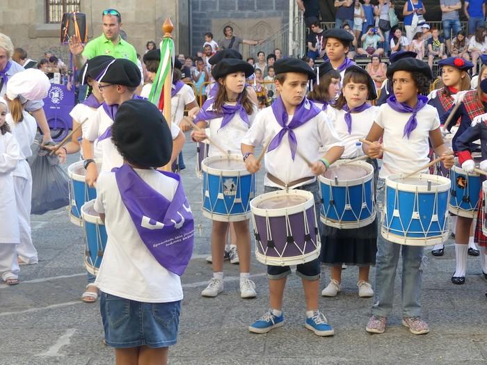 Txikitxoenek San Juan festetan murgildu dute herria - 29