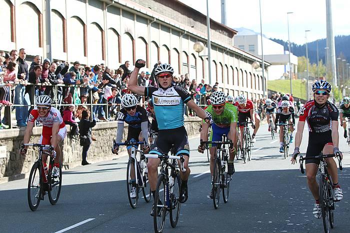 Luis Mari Garikanok sprint estuan irabazi du Labegaraietako 53. Saria