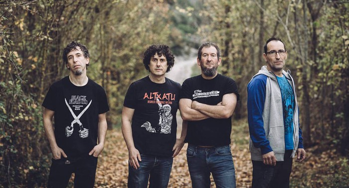 Punk-rocka eta hardcore melodikoa Leihotikan-en eskutik
