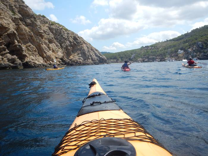 Ostegun Bidaiariak: Ibiza piraguan