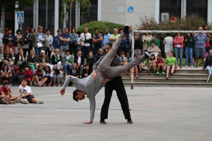 Gizarte utopiko baten dantza futurista - 21