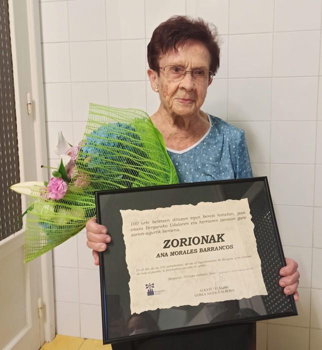 100 urte bete ditu Bergarako Ana Moralesek