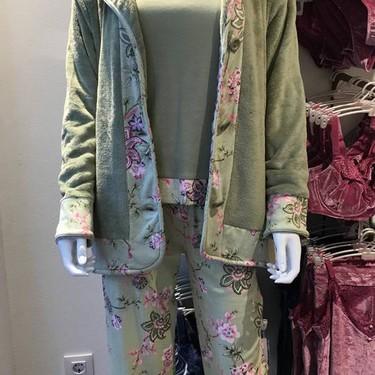Pijamak eta batak