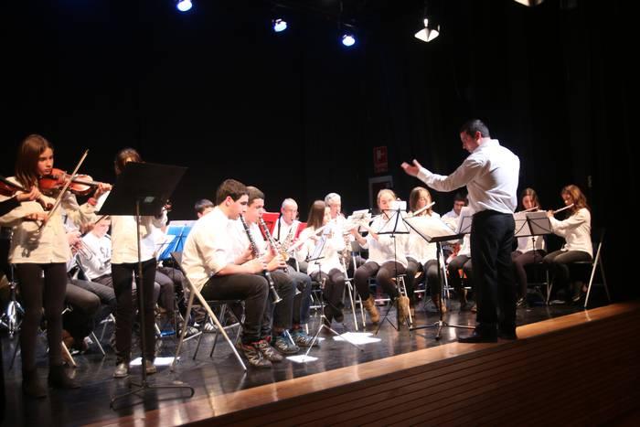 Koktel musikala Leizarra musika eskolako bandaren kontzertuan