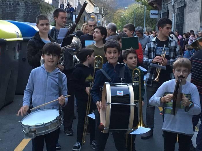 Musika eskolaren lehenengo 'flashmob'-a, bihar
