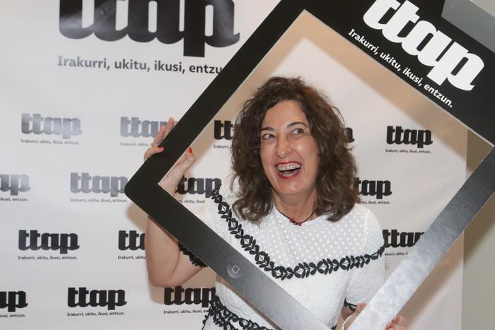 'Ttap' aldizkaria ezagutzeko jende asko elkartu da Donostian - 36