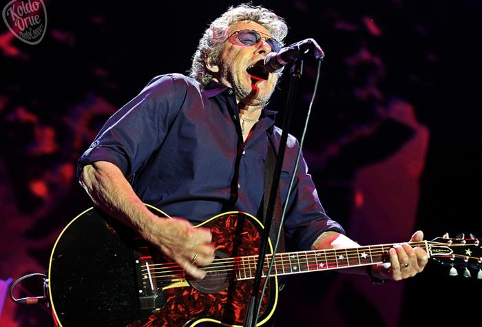 Rock musikarien erretratuen erakusketa hilabetez