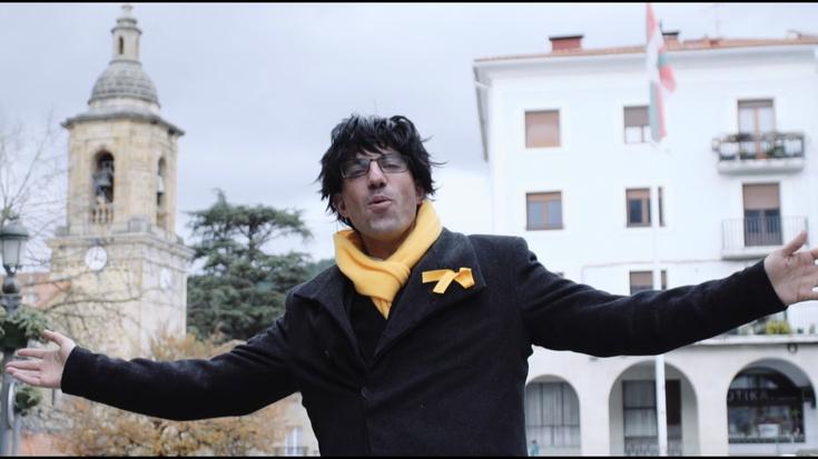 'Puigdemont' ekarri dute Aretxabaletara herrian kontsumitzera animatzeko