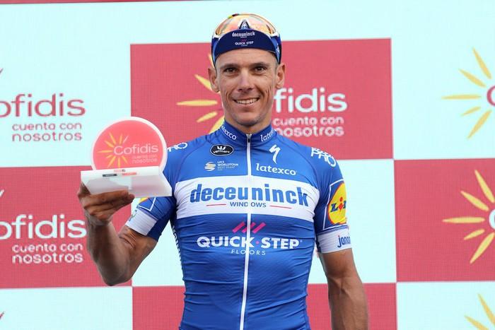 Haizeak triskantza handia egin du Gaztelako zabaletan; Gilbert-ek irabazi du etapa eta Quintana bigarren jarri da nagusian