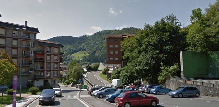 Droga trafikoa egotzita, 42 urteko gizonezko bat atxilotu du Ertzaintzak Arrasaten