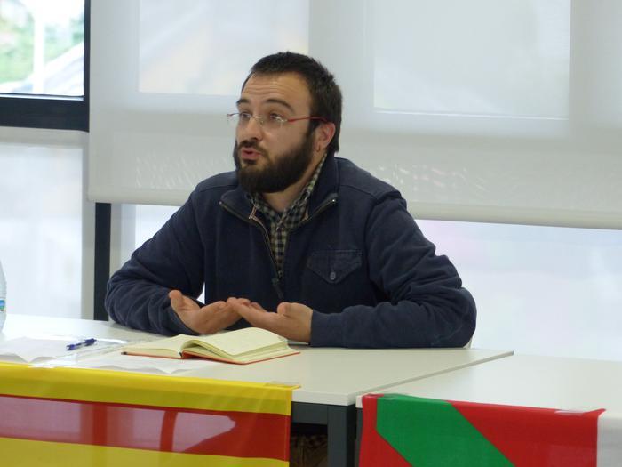 """Albert Botran: """"Defentsa-gabezia handia dago Katalunian"""""""