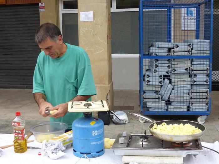 Patata tortilla lehiaketa Antzuolako jaietan - 22