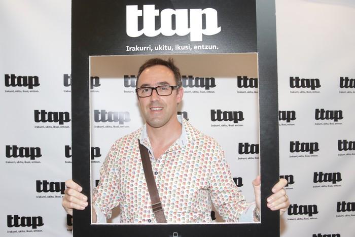 'Ttap' aldizkaria ezagutzeko jende asko elkartu da Donostian - 38