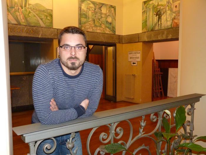 Ander Rodriguezek hartuko du Pello Urizarren lekua Eusko Legebiltzarrean