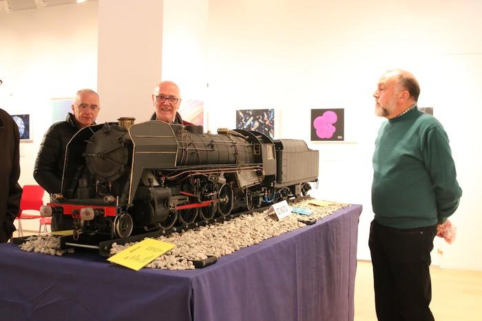 Ikusmina piztu du lokomotorea martxan ikusteak