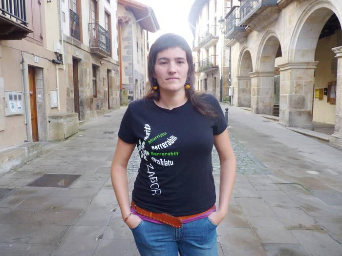 2010ean egindako tortura salaketa berretsi du Irati Mujikak gaur Madrilen