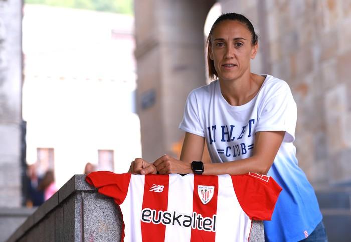 """Vanesa Gimbert: """"Itxaropena daukat Athleticengan, ez dute ezer galtzeko"""""""