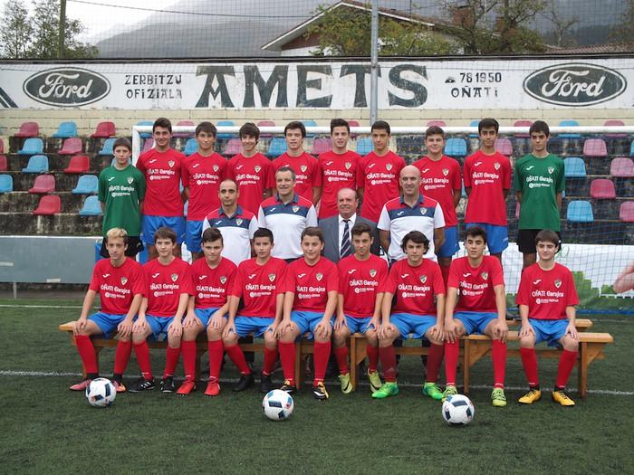 Aloña Mendi Kirol Elkarteko Futbol saileko talde guztiak aurkeztu dituzte - 11