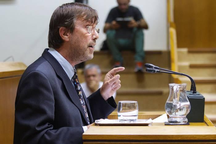 """Luis Javier Telleria: """"Gizarteak praktika normalizatu legez ikusten du kalamua erretzea"""""""