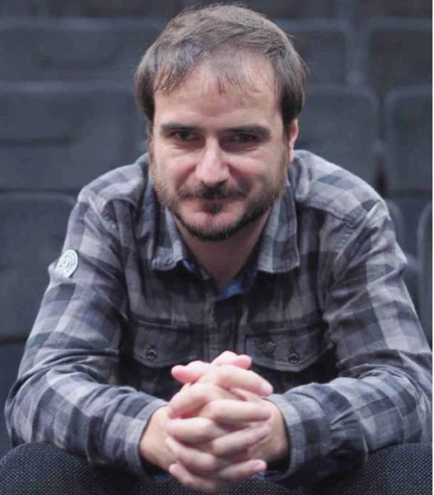 'Puntua' aldizkaria: Aitor Arregi zinemagileari elkarrizketa