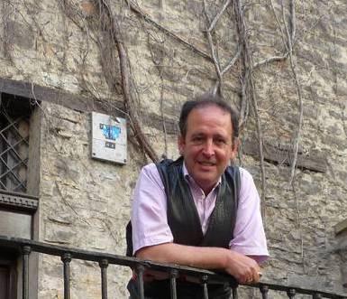 Juan Carlos Irizarrek 'Pedaleando' diskoa aurkeztuko du San Martin egoitzan