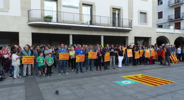 Aretxabaletarrek ere Kataluniari elkartasuna adierazi diote