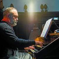 Joxean Pascual organista eta Karmele Muro sopranoa