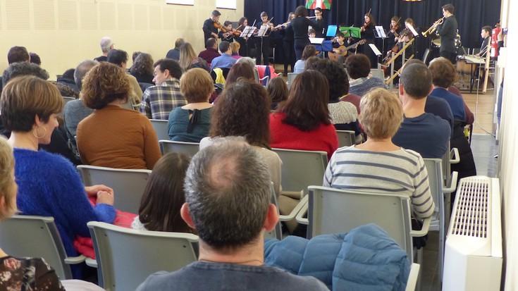 Elkartrukea Kataluniako musikariekin