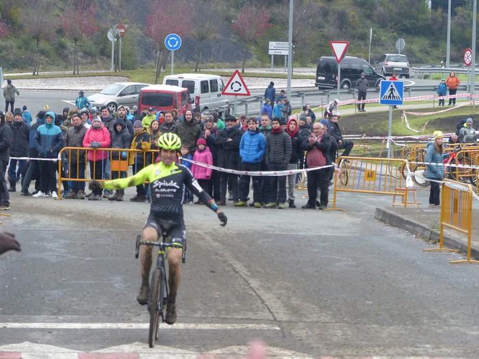 Ruiz de Larrinaga eta Lekuona garaile Arrasateko ziklo-krosean - 2