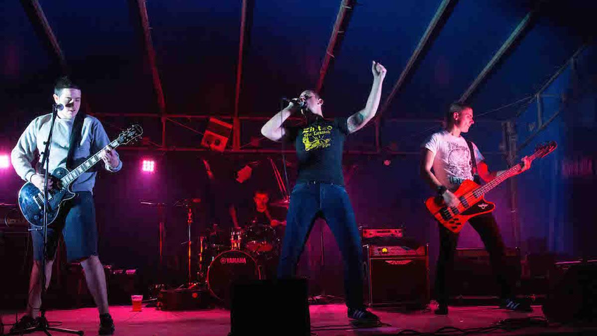 Punk-Oi! estiloko musika nagusi Gatzagan