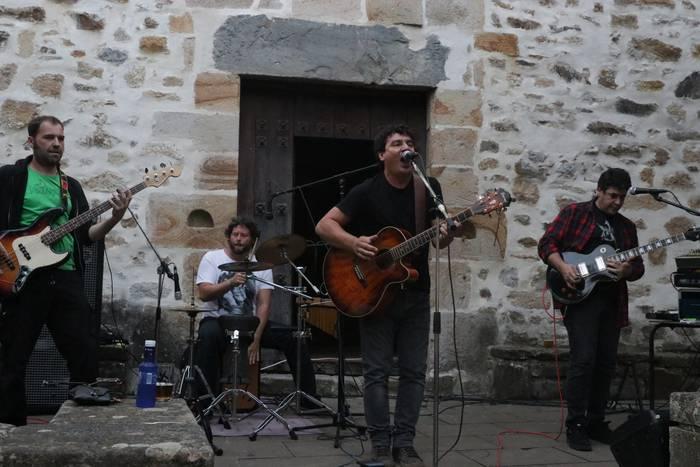 Gasteizko blues eta rock doinuekin Sastiñara
