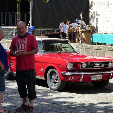 Arrasateko 3.auto klasikoen erakustaldi solidarioa