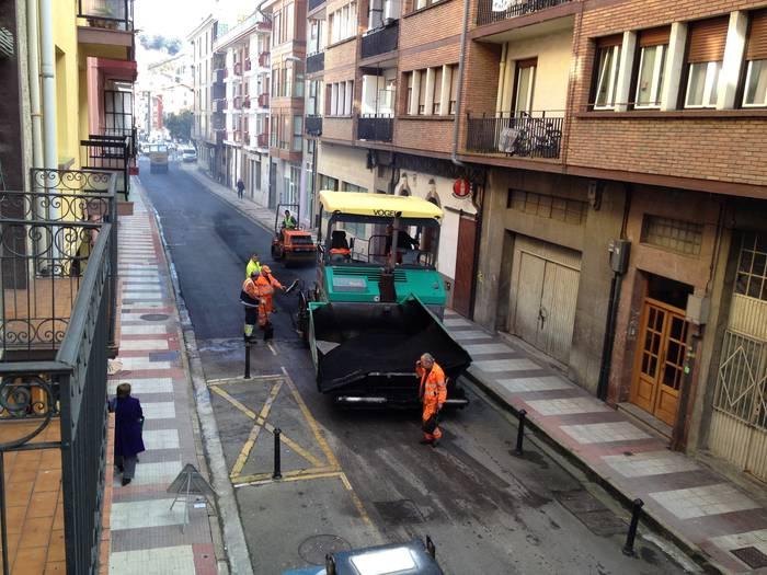 Arrasateko 15 gune asfaltatuko dituzte datozen egunotan