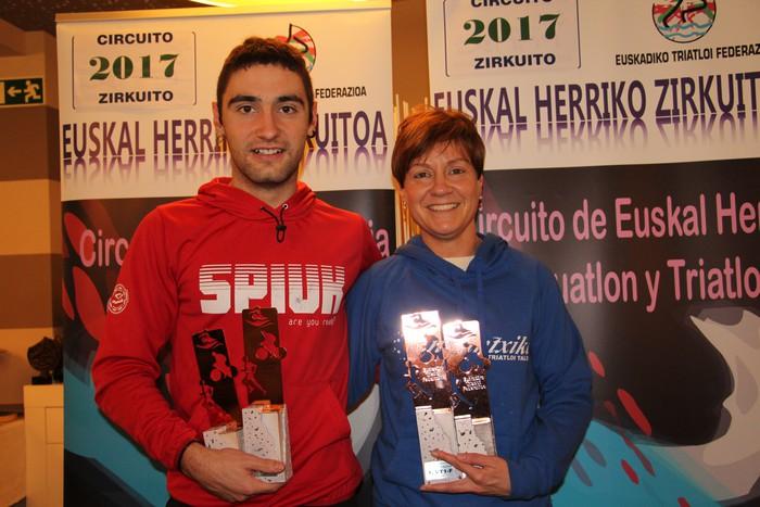 Miren Josune Bikuña eta Beñat Ormaetxea sarituak 2017ko Euskadiko triatloi eta duatloi zirkuituetan